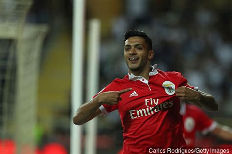 Raul Jimenez s failure at Benfica can be perfect for Wolves
