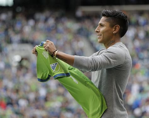 Raul Ruidiaz arrives to rescue Sounders, but team must buy ...