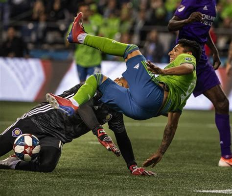 Raul Ruidiaz finds his scoring touch again as Sounders ...