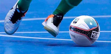 Real Federación Gallega de Fútbol O balón oficial para as ...