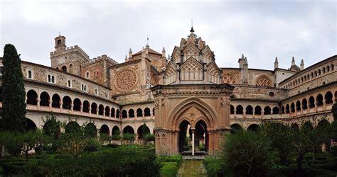 Real Monasterio de Santa María de Guadalupe | Monumentos y ...