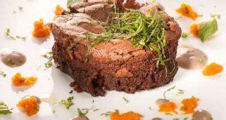 Receta de Bizcocho de chocolate con salsa especiada de ...