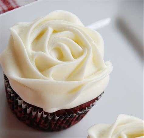Receta de buttercream de chocolate blanco   Unareceta.com