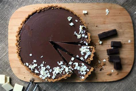 Receta de tarta de chocolate fácil y rápida lista en 15 ...