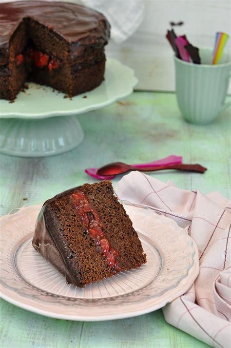 Receta de tarta de chocolate y fresas para San Valentin ...