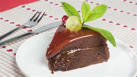Receta de Tarta Sacher con mermelada de albaricoque de ...