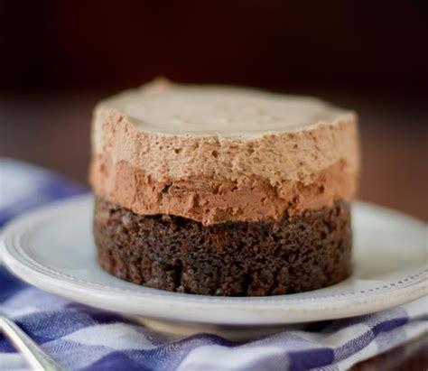 Receta de tarta tres chocolates sin gluten   Unareceta.com