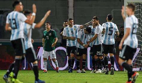 Rechazan taxistas contrato entre futbol argentino y Uber