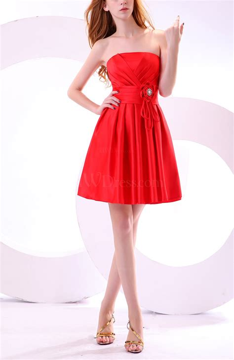 Red Cute Strapless Sleeveless Satin Knee Length Pleated ...
