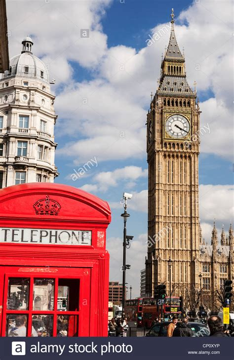 Red telephone box and the Big Ben clock tower  Elizabeth ...