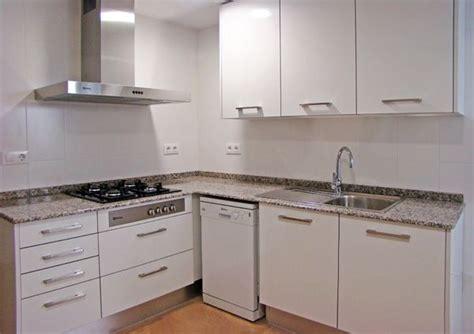 Reforma de cocinas, baños, pintura, suelos laminados y ...