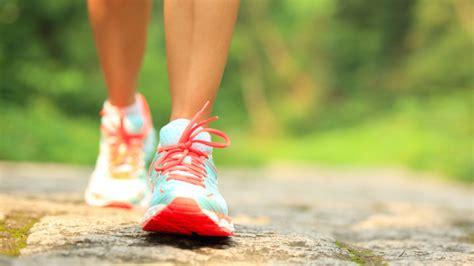 Rejoice! Walking Is A Better Way To Burn Body Fat Than Running