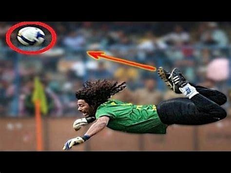 Rene Higuita | Most Craziest Goalkeeper in the world | Top ...