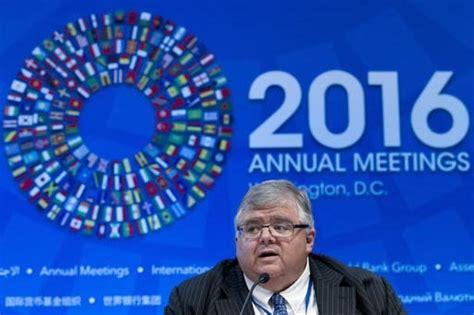 Renuncia jefe del Banco de México, va a puesto ...