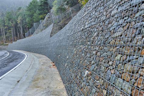 Reparación de muro de gaviones en la zona Collada de Toses ...