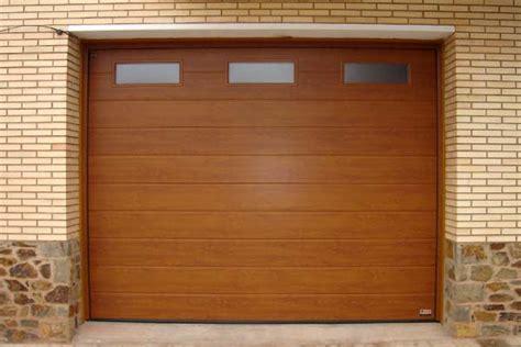 Reparación de puertas de garaje   CERRAJEROS COSTA BALLENA