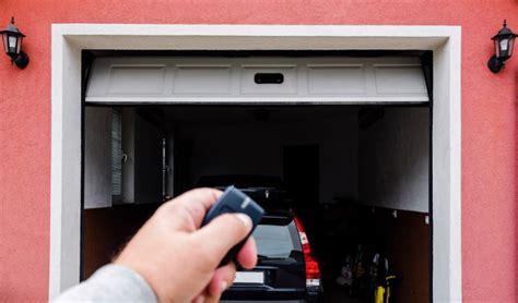 Reparación y Mantenimiento de Puertas de Garaje   MELA