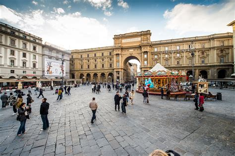 Repaving piazza della Repubblica | The Florentine