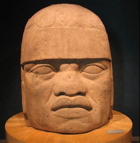Réplica de escultura Olmeca provoca burlas en México | LA ...