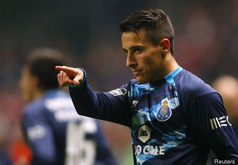 Report: Southampton met with Cristian Tello s agent last ...