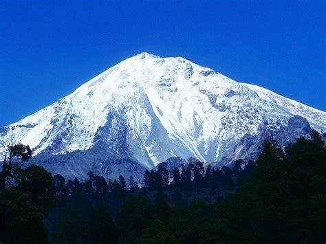 Rescatan a cinco alpinistas extranjeros en el Pico de ...