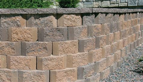 Retaining Walls | Stone Creek Hardscapes & Designs