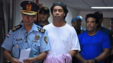 Revelan la que sería la primera imagen de Ronaldinho en ...