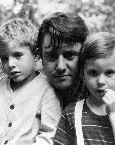 Roberto Matta y sus hijos los Gemelos Gordon y Batan ...