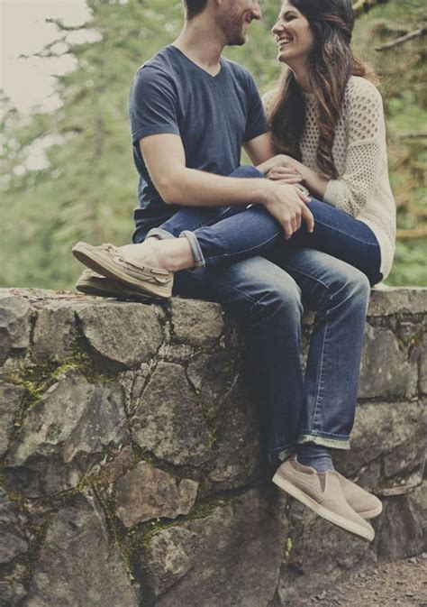 Romantic and Cute Couple Photo Ideas   Noted List