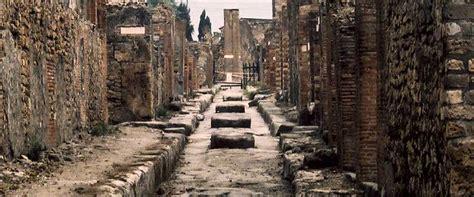 Rome to Pompeii and Herculaneum Full Day Tour
