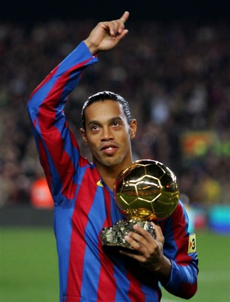 Ronaldinho al fin da el motivo de su salida del Barcelona ...