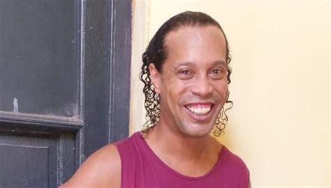 Ronaldinho celebra su 40º aniversario en la cárcel