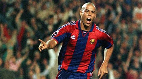 Ronaldinho:  Cristiano Ronaldo is making history, but ...