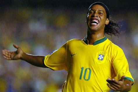 Ronaldinho podría jugar en Chapecoense — RadioActiva 92.5