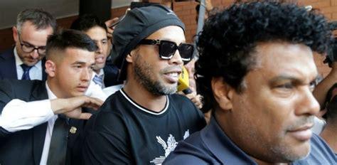 Ronaldinho, «quelqu'un l'a trahi»   Football.fr