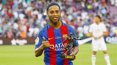 Ronaldinho se une a Messi para patrocinar Blockchain   AS.com