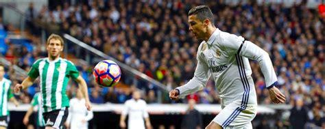 Ronaldo hace historia ahora con aeropuerto en Madeira   El ...