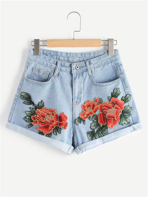 Rose Applique Cuffed Denim Shorts | ROMWE