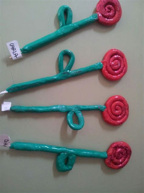 Roses de plastilina. P3   Sant Jordi   Manualidades sant ...