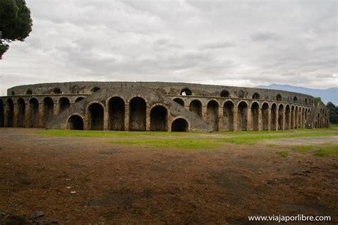 Ruinas de Pompeya. Catástrofe bajo el volcán Vesubio