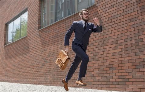 Running to Work: All You Need to Know – Men s Running UK