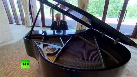 Russian President Vladimir Putin Plays The USSR National ...