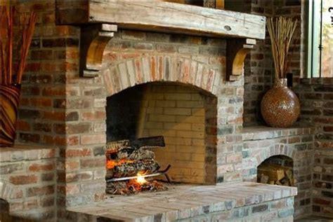 Rustic Mantle with wood burning fire | Ideoita kotiin ...