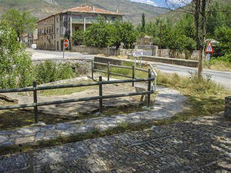 Ruta de las icnitas   Camping Cañón del Río Lobos   Soria ...