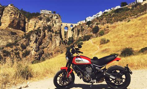 Ruta en moto por Málaga | Guía Repsol