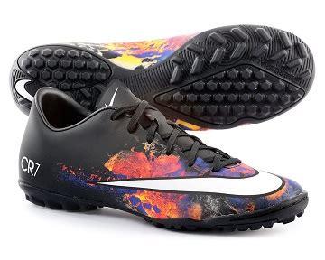 ¿Sabes cómo elegir tipos de botas de fútbol para cada tipo ...