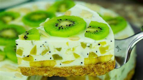 Sabrosa tarta de yogur con kiwi y plátanos, baja en ...