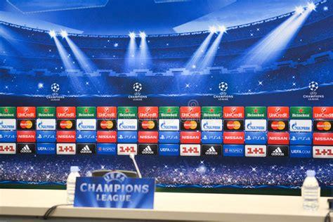 Sala De Conferencias De La Liga De Campeones De UEFA ...
