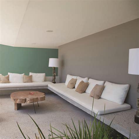 Sala de la TV style contemporaneo color verde, blanco ...