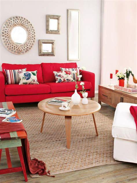 Salones con ¡mucho gusto!   Salas   Sofá rojo, Decoración ...